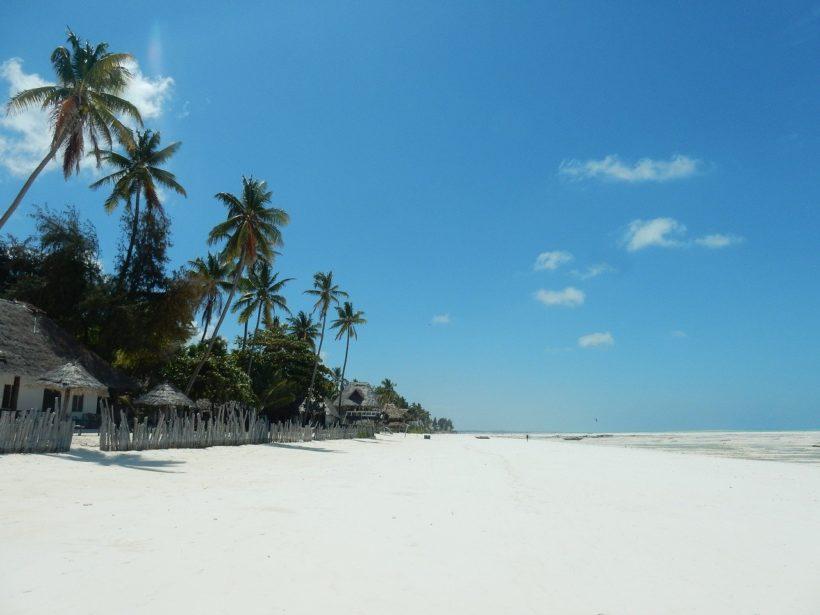 beach-2036446_1280